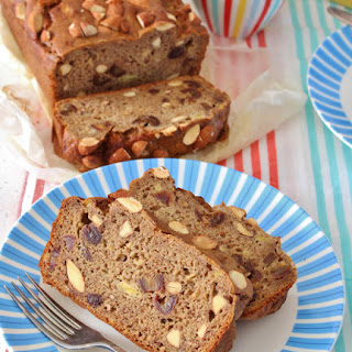 Banana, Date, and Almond Bread | Gluten Free.