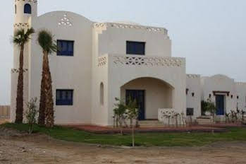 BeachSafari Resort