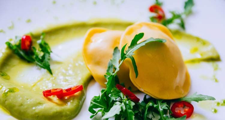 Restaurant 1800 in Oia offers fresh local fare ...