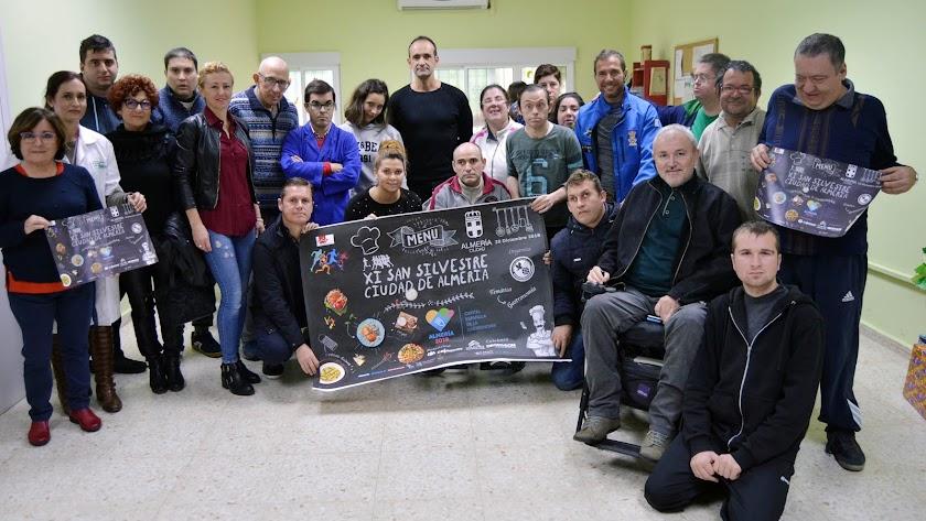 Los deportistas con la Asociación Verdiblanca.