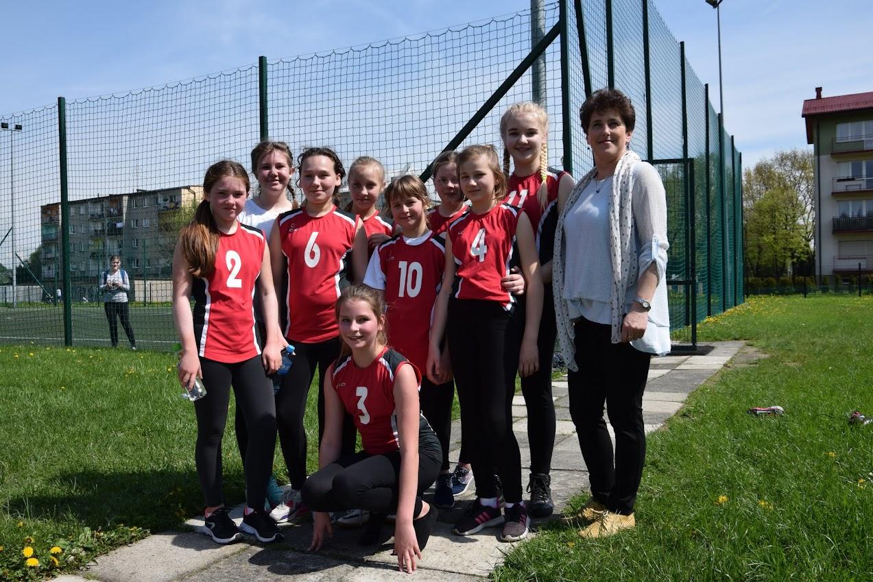 Sukces dziewcząt w piłce nożnej