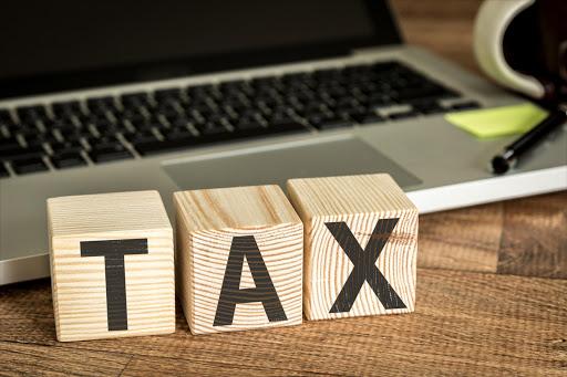 Belastingombud help belastingbetalers om miljoene terug by Sars - SowetanLIVE terug te kry