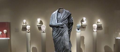 The hidden structure of Marcus Aurelius' Meditations