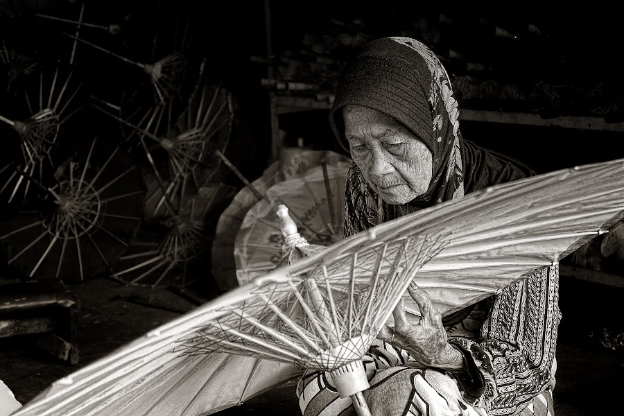 by CIPEYLUTHFIM II - People Portraits of Women ( senior citizen )