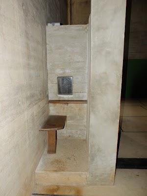 La Tourette - konfesjonał