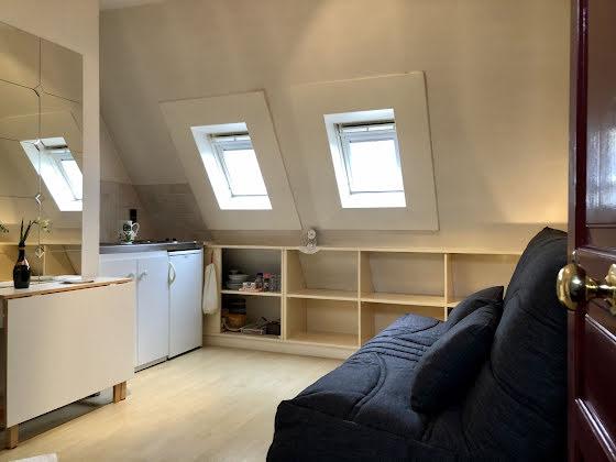 Location studio meublé 11,26 m2