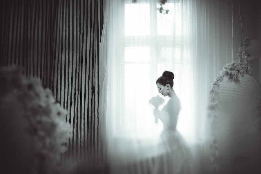 Wedding photographer Galiya Karri (VKfoto). Photo of 01.06.2015
