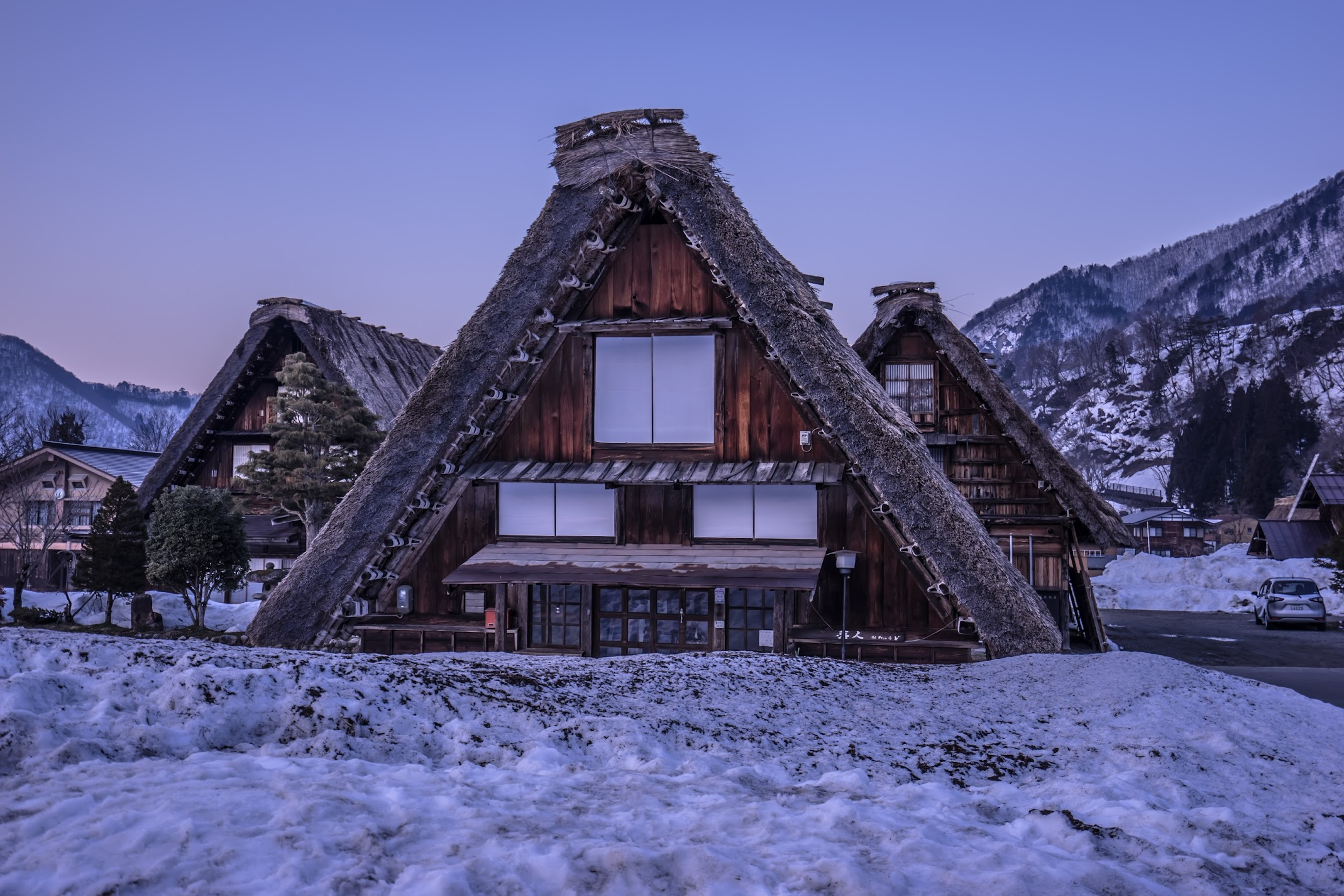 Shirakawa-go evening view2