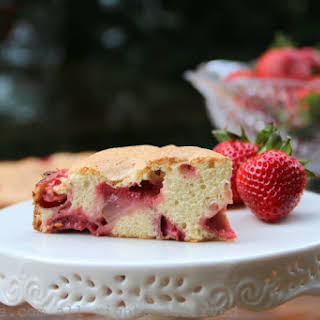 Easy Strawberry Cake.