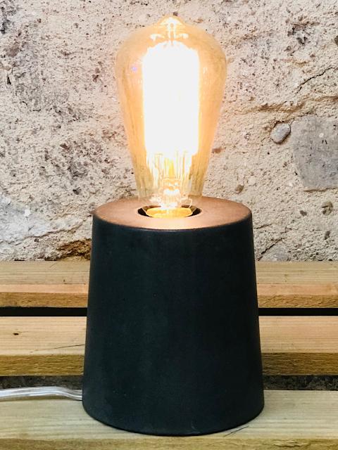 lampe béton noir forme design fait-main création béton