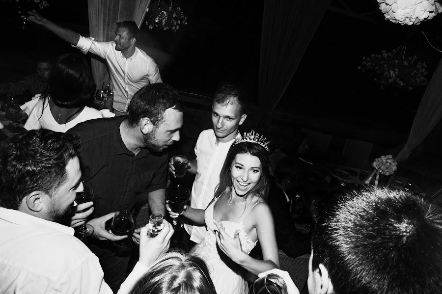 Wedding photographer Igor Shevchenko (Wedlifer). Photo of 18.04.2017
