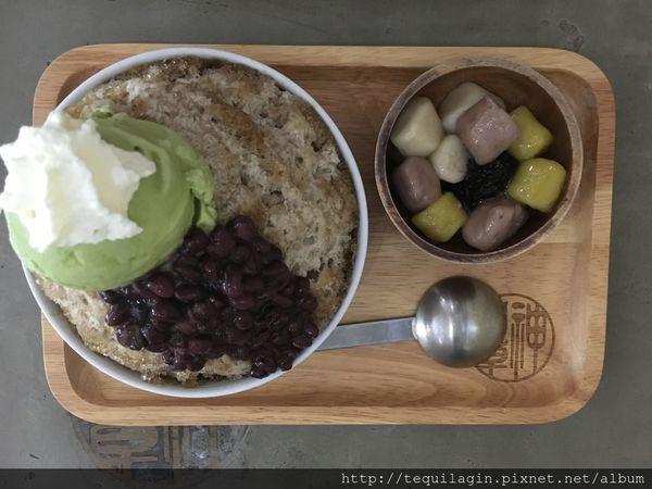 神仙草-柴燒嫩仙草專賣店,純正仙草製成的冰品,仙草茶也很清涼消暑哦