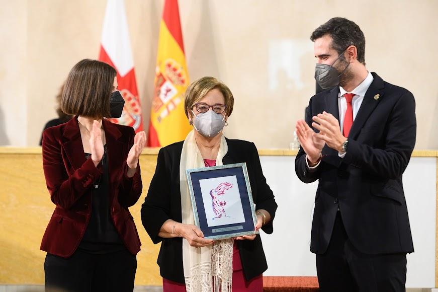 Premio a Rosario Alarcón López (Trayectoria profesional).