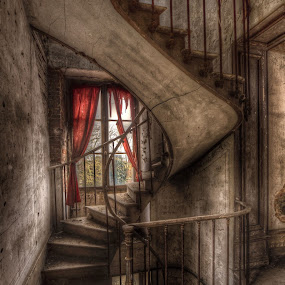 Chateau S. by Frank Quax - Buildings & Architecture Decaying & Abandoned ( urbex, abandoned building, color, staircase, decay, abandoned )