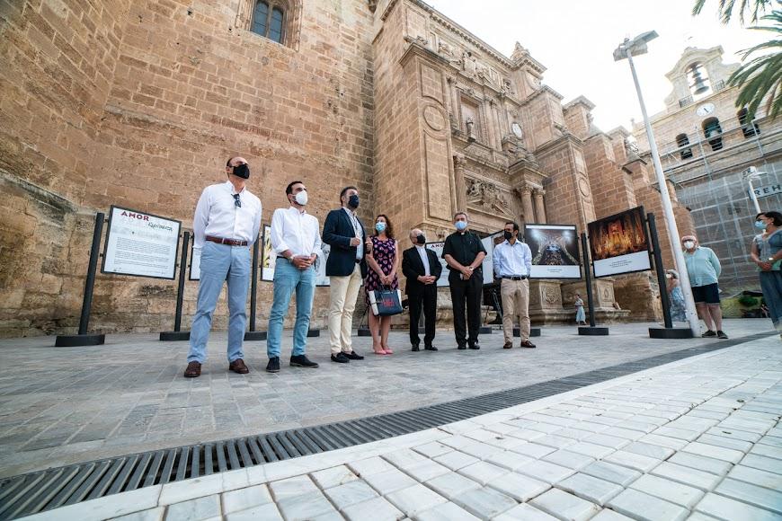 Representantes de Focoal, Ayuntamiento, Hermandad de Estudiantes y Agrupación.
