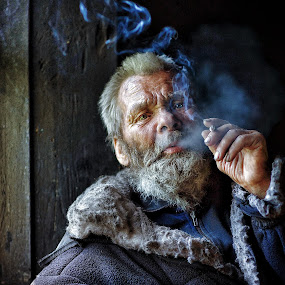 Altaian old man by Roman Mordashev - People Portraits of Men ( portrait )