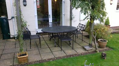 Photo: Aluminium 6 Seater Oval Set http://www.outsideedgegardenfurniture.co.uk/Cast-Aluminium-and-Metal-Garden-Furniture/Tables-for-6/6-Seater-Oval-Metal-Patio-Set.html