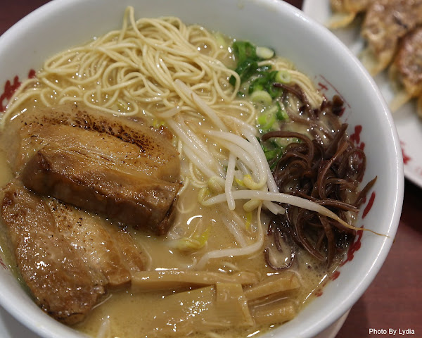 |來自日本九州道地老品牌拉麵,足足一公分的厚切叉燒豚骨拉麵:山小屋拉麵|台南拉麵|九州拉麵