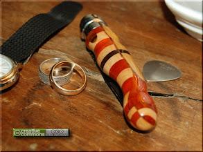 Photo: Opinel custom n°015 Erable, padouk. http://opinel-passions-bois.blogspot.fr/ Personnalisations en marquèterie de bois précieux, cornes, résines et aluminium du couteau pliant de poche de la célèbre marque Savoyarde Opinel.