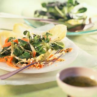 Feldsalat mit Chicorée und Papaya (Imponier-Salat)