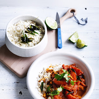 Summer Tomato Curry With Cauliflower Rice.