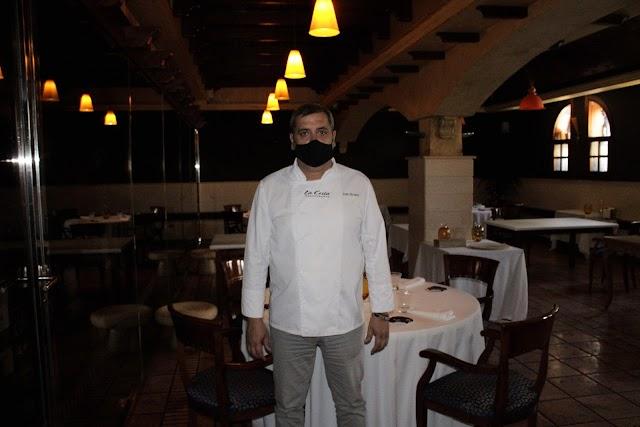 El chef José Álvarez, Estrella Michelín, en el Restaurante La Costa.
