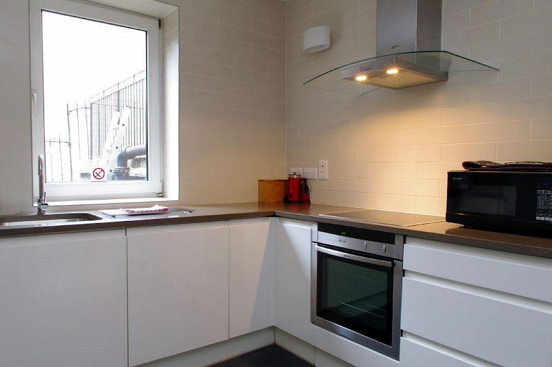 Fully equipped kitchen at Comfortable Waterloo Home SE1