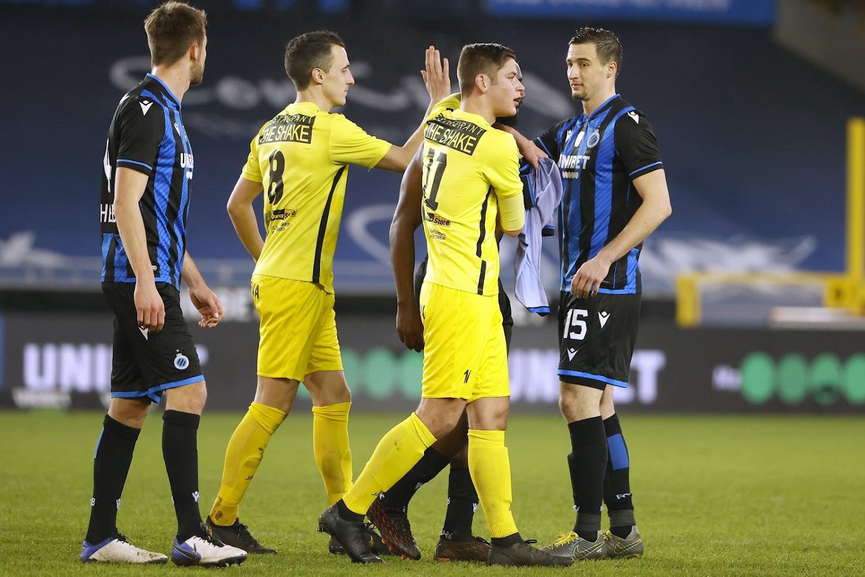 🎥 Les joueurs de Brakel ont reçu de la visite dans leur vestiaire après la défaite à Bruges - Walfoot.be