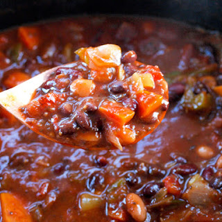 Superfoods Vegan Chili in the Slow Cooker.
