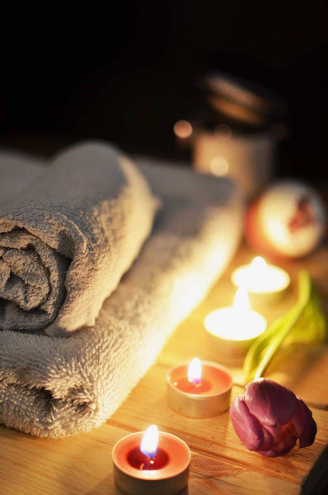 נרות מגבת פרח בספא
