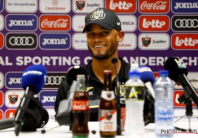 """Kompany legt beslissing uit: """"Deze club is nu al in betere staat dan voor mijn komst, maar ik wil ze een identiteit geven"""""""