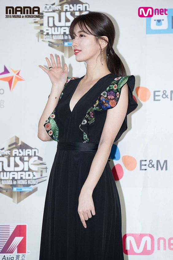 suzy gown 20