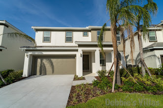 Orlando villa, gated Kissimmee resort, close to Disney, southwest-facing pool and spa, games room