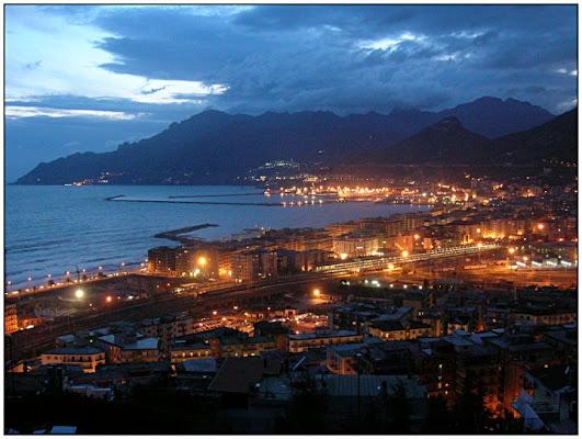Saluti da Salerno di Pask