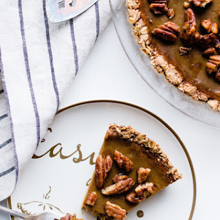 Winter Squash Pie with Candied Pecans and Oat Crust (gluten-free, dairy-free).
