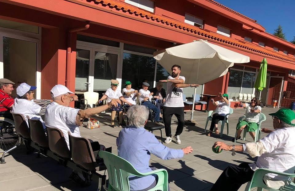 Sessão de ginástica põe Lar da Misericórdia de Lamego a mexer no Dia do Idoso
