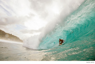 Photo: Photo of the Day: Tom Dosland, Pipeline. Photo: Noyle #Surfer #SurferPhotos