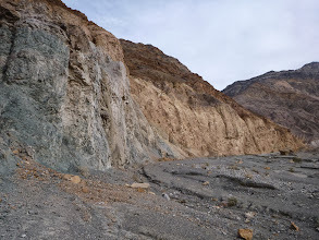 Photo: Mosaic Canyon. View along the contact. Blue schist or green schist?
