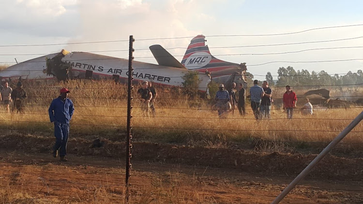 20 people were injured when an aircraft crashed on Sakabuka Avenue in Pretoria.
