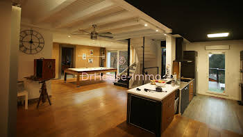 Maison 8 pièces 314 m2