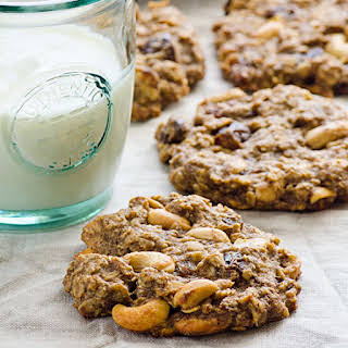Vegan Sugar Free Trail Mix Oatmeal Cookies.