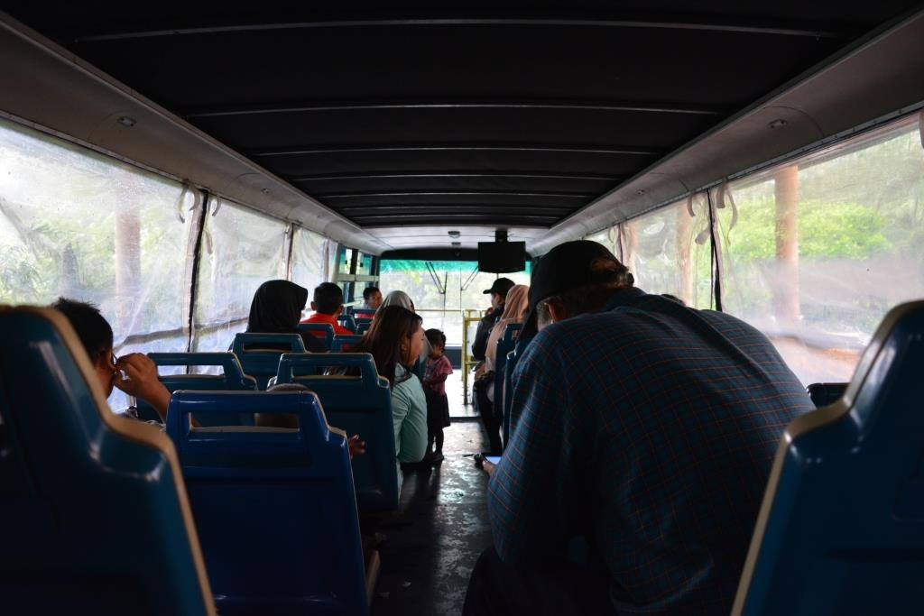 Tempat duduk atas Bus Werkudara