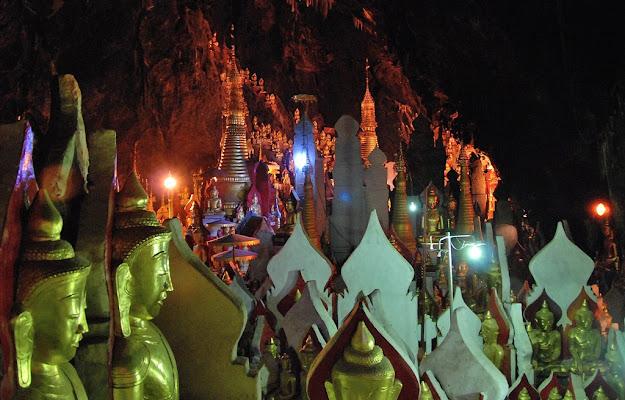 La grotta dei 10000 Buddha. di serendipity4
