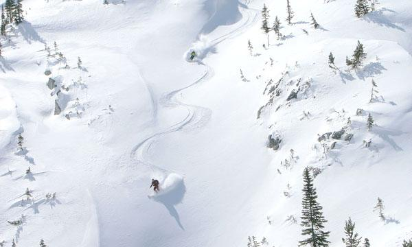 http://canadianheli-skiing.com/wp-content/gallery/photos/couloir.jpg