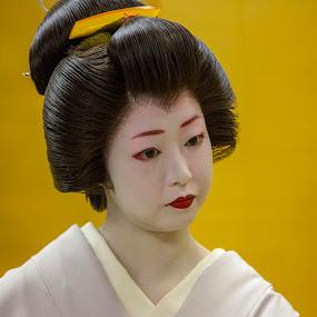 Geisha by Zetsu Nawa - People Portraits of Women ( japan, geisha, beauty, maiko, hair )