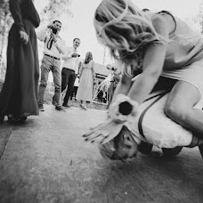 Wedding photographer Anastasiya Guseva (Fotopitoshka). Photo of 11.09.2014