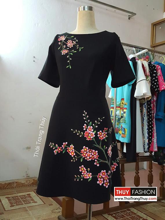 Váy xòe thiên vẽ hoa thủ công bằng màu acrylic V369 thời trang thủy