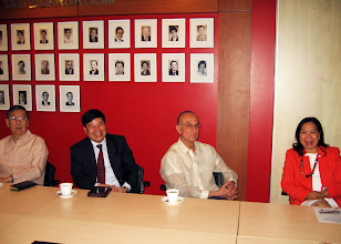 Photo: 22 August 2013 - Visit to the FINEX Office in Makati with Victor Lim, Bach Nguyen, Luis Ortiz-Hidalgo and Judith Lopez