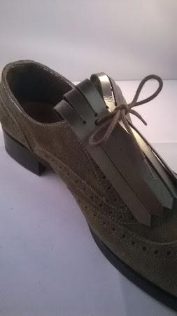 Frilles op sneakers en veterschoenen