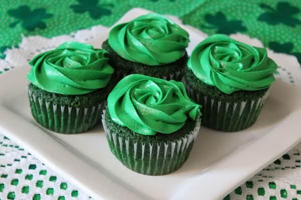 Gayle's Green Velvet Cupcakes